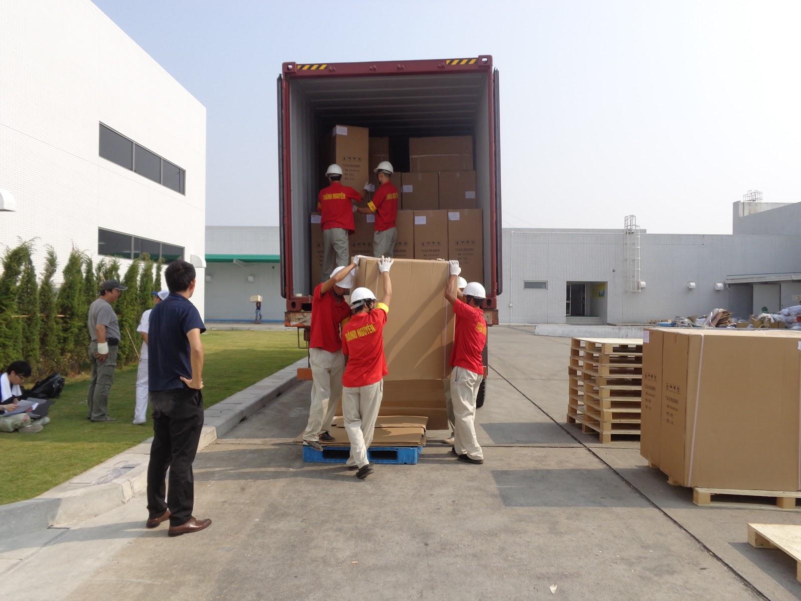Dịch vụ bốc xếp hàng hóa quận Tân Phú uy tín, giá rẻ tại Tphcm